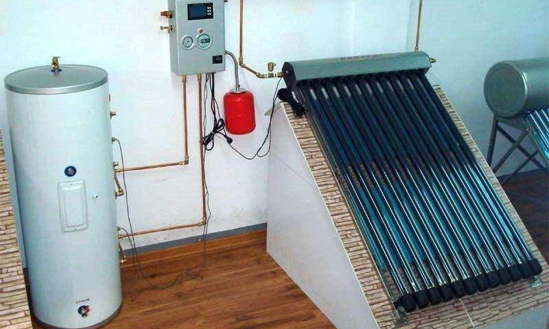 eau chaude solaire maison commercial ecosource canada. Black Bedroom Furniture Sets. Home Design Ideas